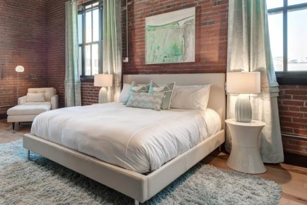 Amazing rehabbed penthouse (24)
