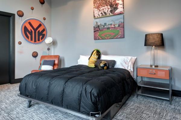 Amazing rehabbed penthouse (25)