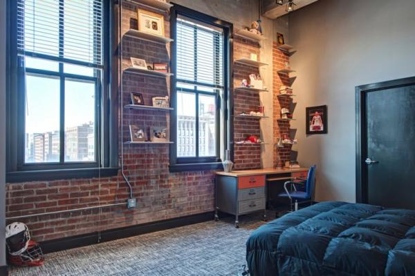 Amazing rehabbed penthouse (26)