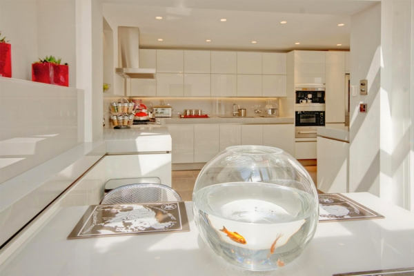 An amazing townhouse in london 4