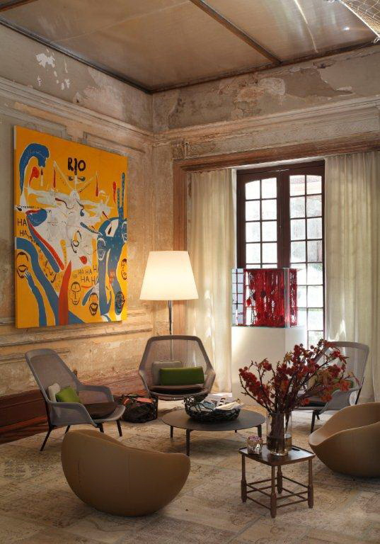 artistic-design-of-an-old-hotel-in-brazil-5