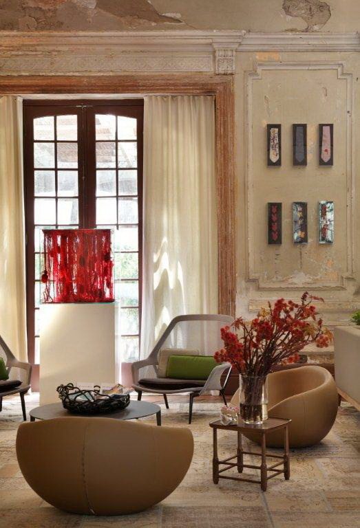 artistic-design-of-an-old-hotel-in-brazil-8