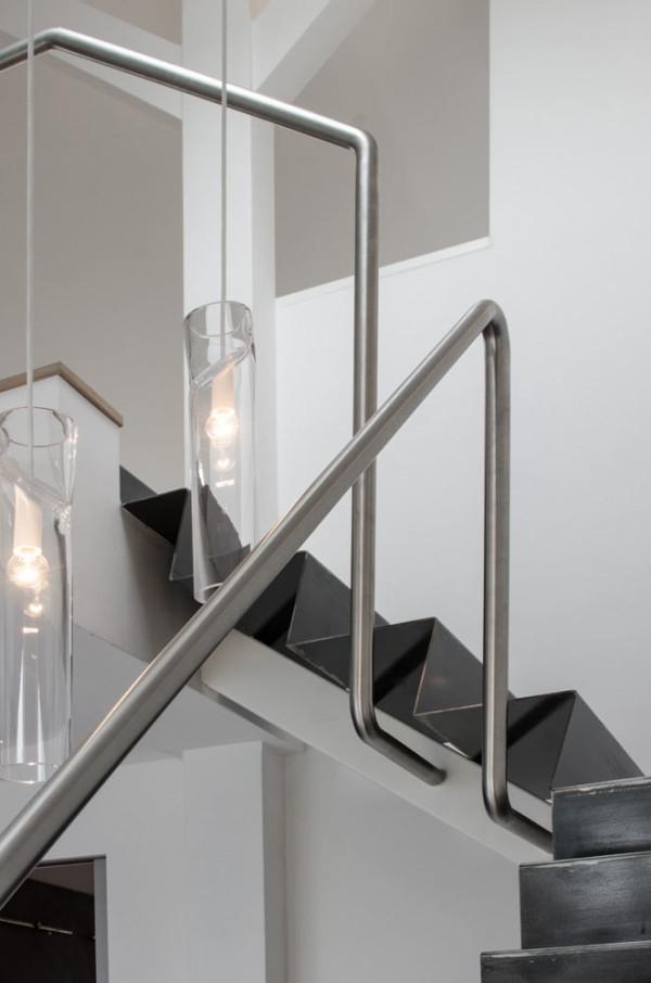Attic apartment design ideas in Prague (16)