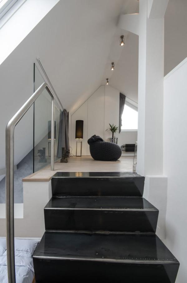 Attic apartment design ideas in Prague (17)