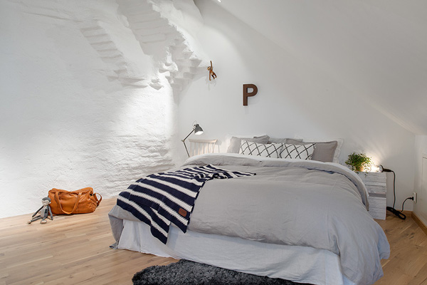 beautiful-attic-home-17