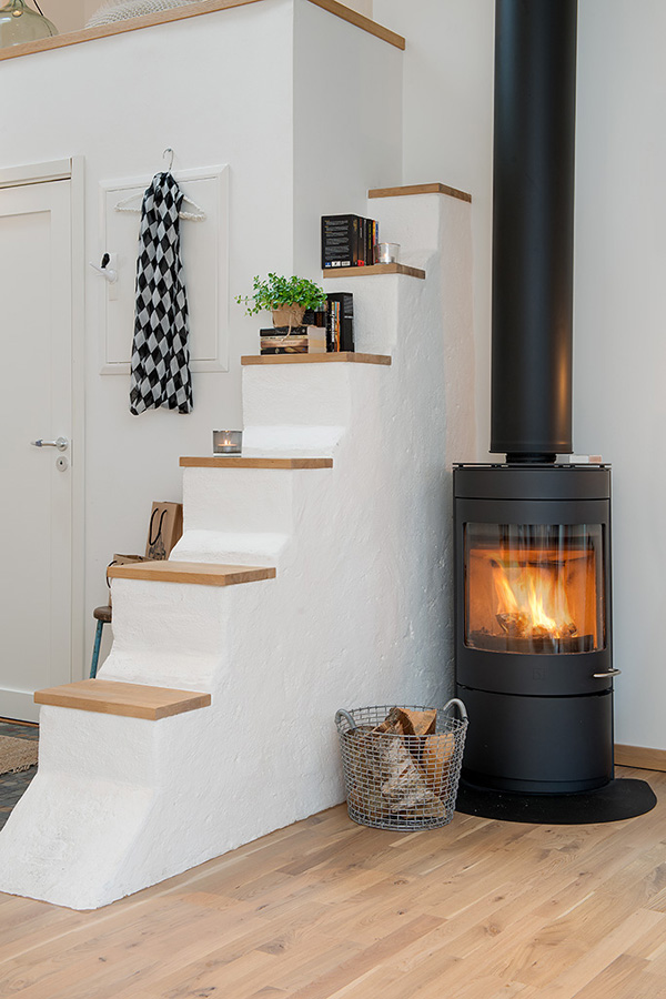 beautiful-attic-home-3