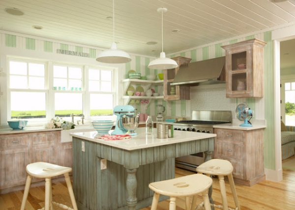 beautiful-beach-house-with-a-light-color-scheme-4