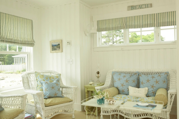 beautiful-beach-house-with-a-light-color-scheme-7
