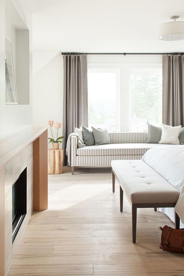 Beautiful home with a modern farmhouse twist (3)