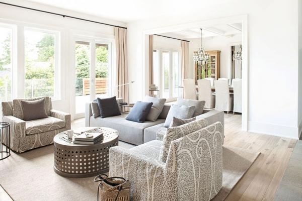 Beautiful home with a modern farmhouse twist (4)