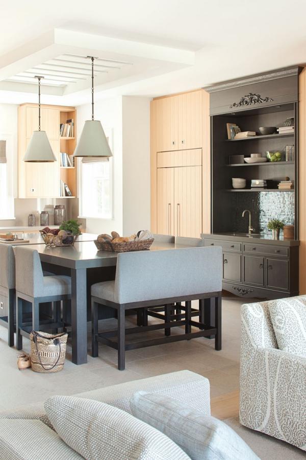 Beautiful home with a modern farmhouse twist (7)