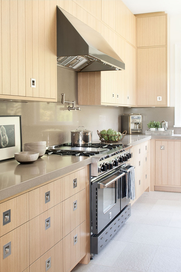Beautiful home with a modern farmhouse twist (8)