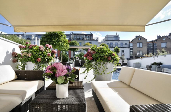 beautiful-home-with-a-terrace-garden-4