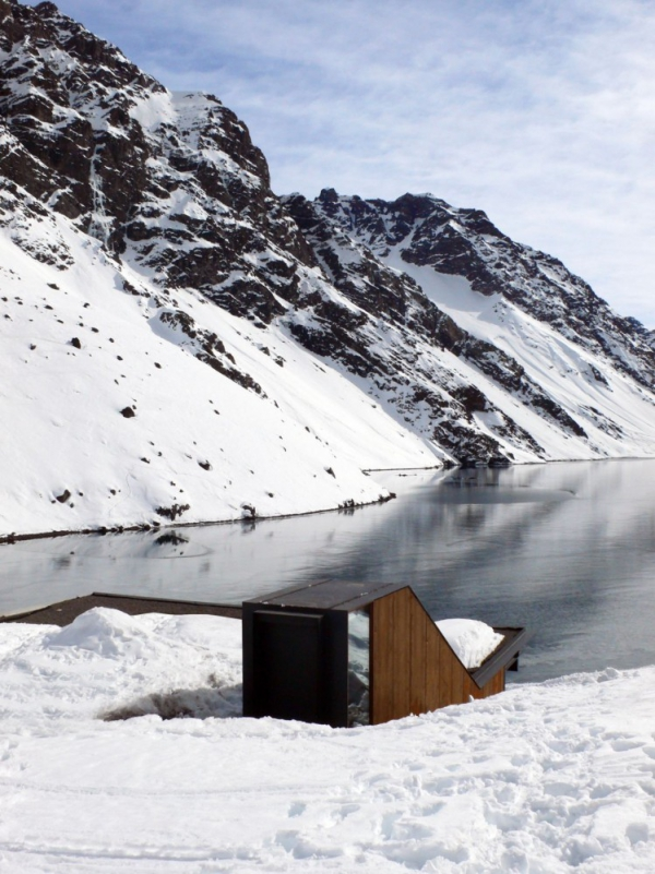 beautiful-mountain-chalet-tucked-away-in-the-andes-3