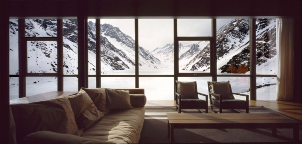 beautiful-mountain-chalet-tucked-away-in-the-andes-6