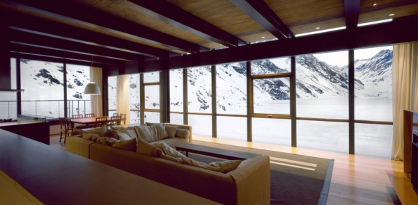 beautiful-mountain-chalet-tucked-away-in-the-andes-8