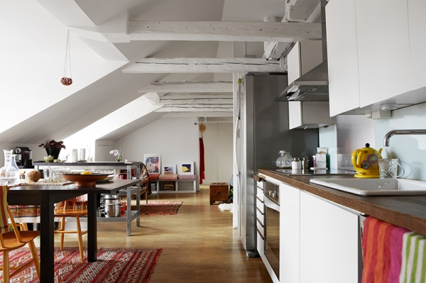 beautifully-carefree-an-attic-apartment-7