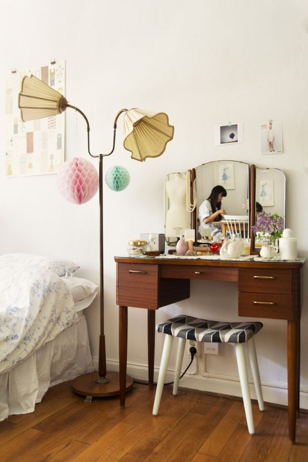Simple Dressing Table : Bedroom vanities: simple dressing tables – Adorable Home