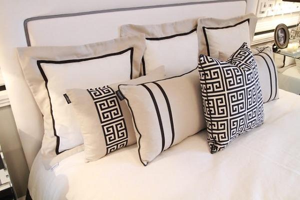 black-and-white-bedroom-design-2