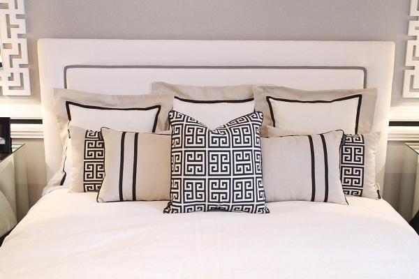 black-and-white-bedroom-design-6