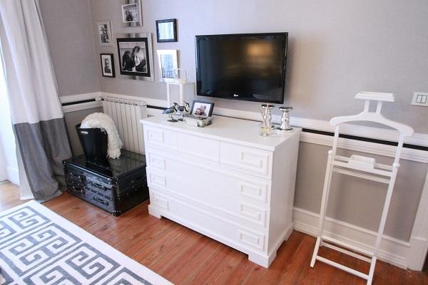 black-and-white-bedroom-design-7