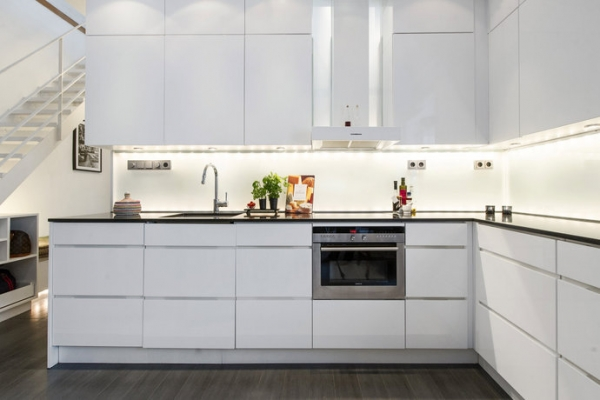 Black white kitchen designs adorable home for Modern black and white kitchen designs
