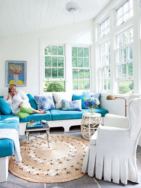 blue-in-the-living-room-5
