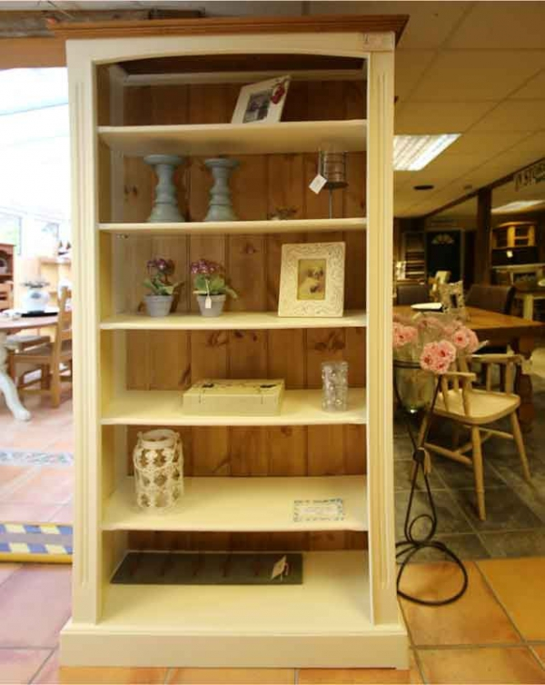 Bookcase ideas for your living room (3)