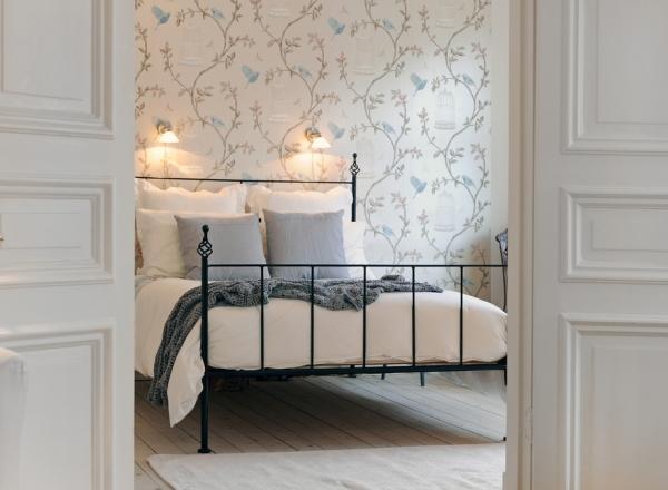 bright-bedroom-design-2