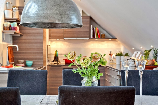 bright-loft-in-sweden-with-beautiful-features-8