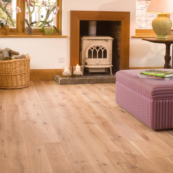 Characteristics of wood flooring and where to apply it at home (2).jpg
