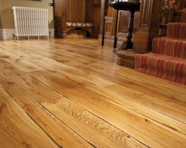 Characteristics of wood flooring and where to apply it at home (5).jpg
