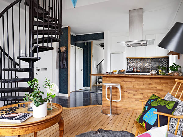 small duplex apartment with - photo #44