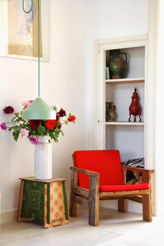 cheerful-apartment-with-a-shabby-chic-appeal-4