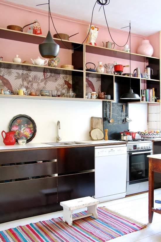 cheerful-apartment-with-a-shabby-chic-appeal-5