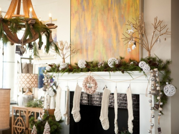 christmas-mantelpiece-decorating-ideas-11