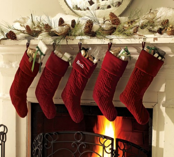 christmas-mantelpiece-decorating-ideas-6
