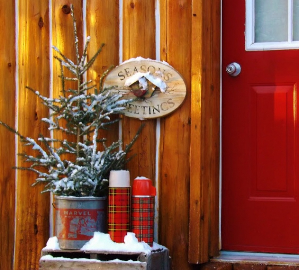 christmas-porch-and-front-door-decorating-ideas-4