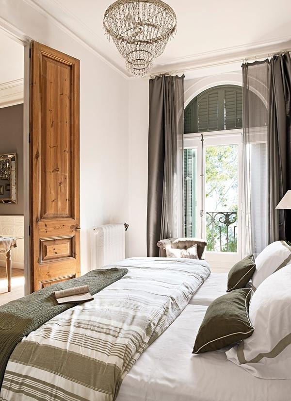 classic-interior-design-in-barcelona-11