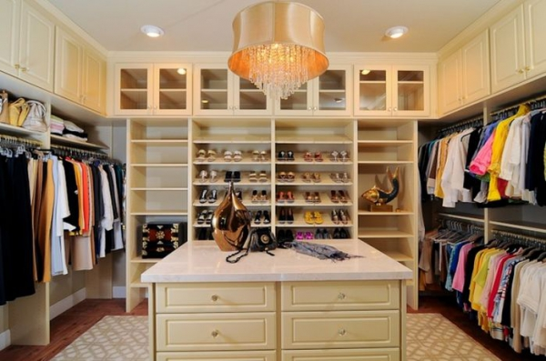 Closet designs your clothes would die for  (6).jpg