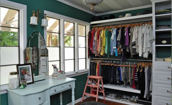 Closet designs your clothes would die for  (8).jpg