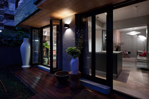 Compact home and office in downtown Taipei (1)