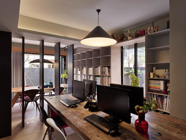 Compact home and office in downtown Taipei (9)
