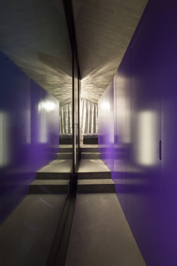 Concrete ideas and contemporary purple interiors (11)