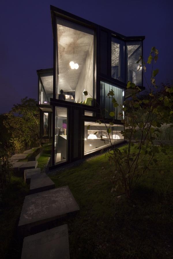 Concrete ideas and contemporary purple interiors (21)