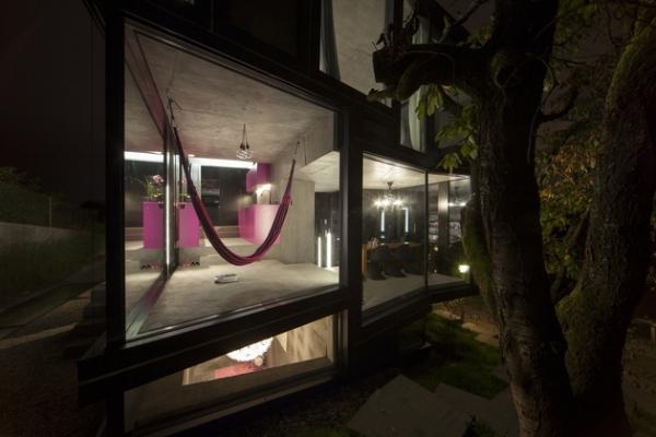 Concrete ideas and contemporary purple interiors (4)