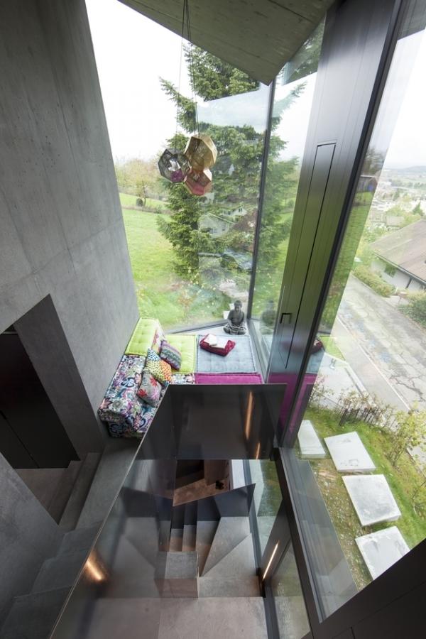 Concrete ideas and contemporary purple interiors (5)