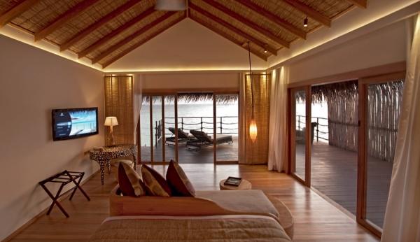 constance-moofushi-resort-9
