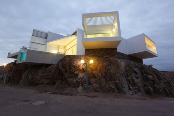 contemporary-beach-house-in-peru-2