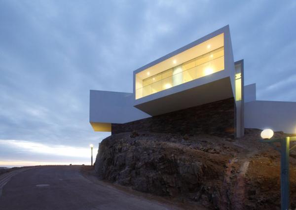 contemporary-beach-house-in-peru-4